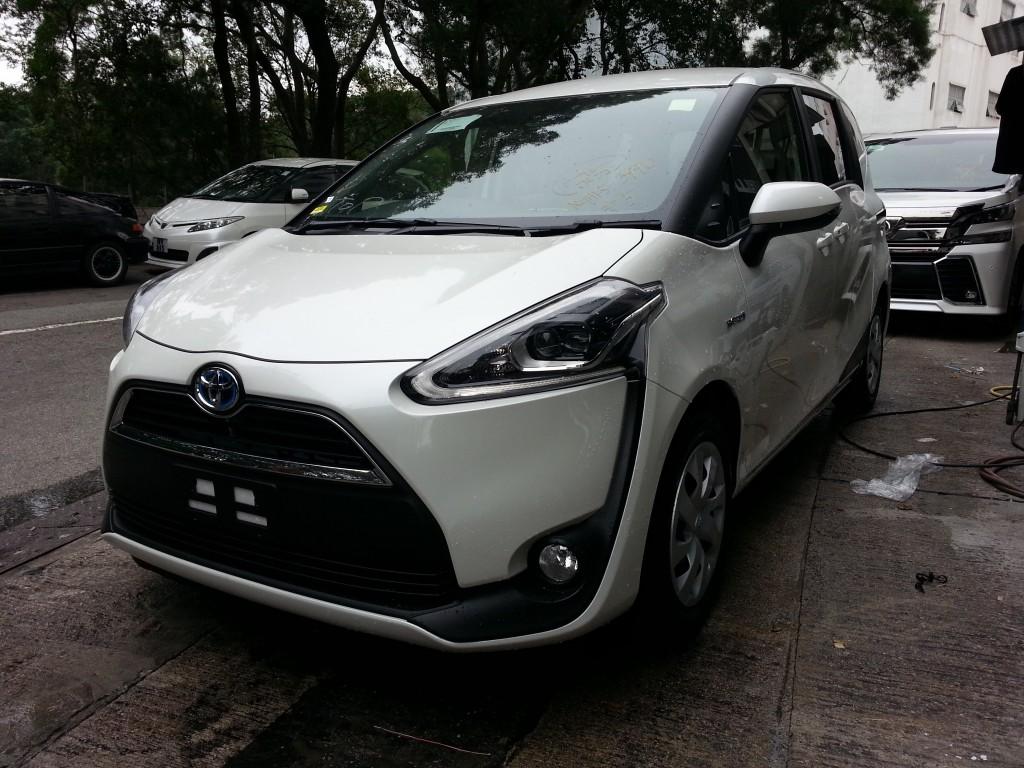 右軚汽車商會(香港)有限公司 - 豐田 Sienta Hybrid